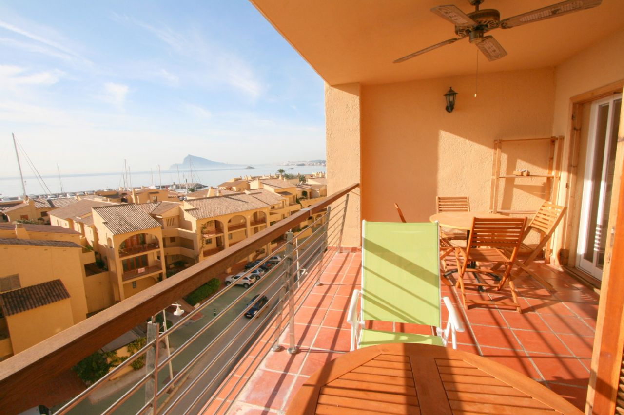 Apartamento con vistas al mar cerca de la playa en Mascarat