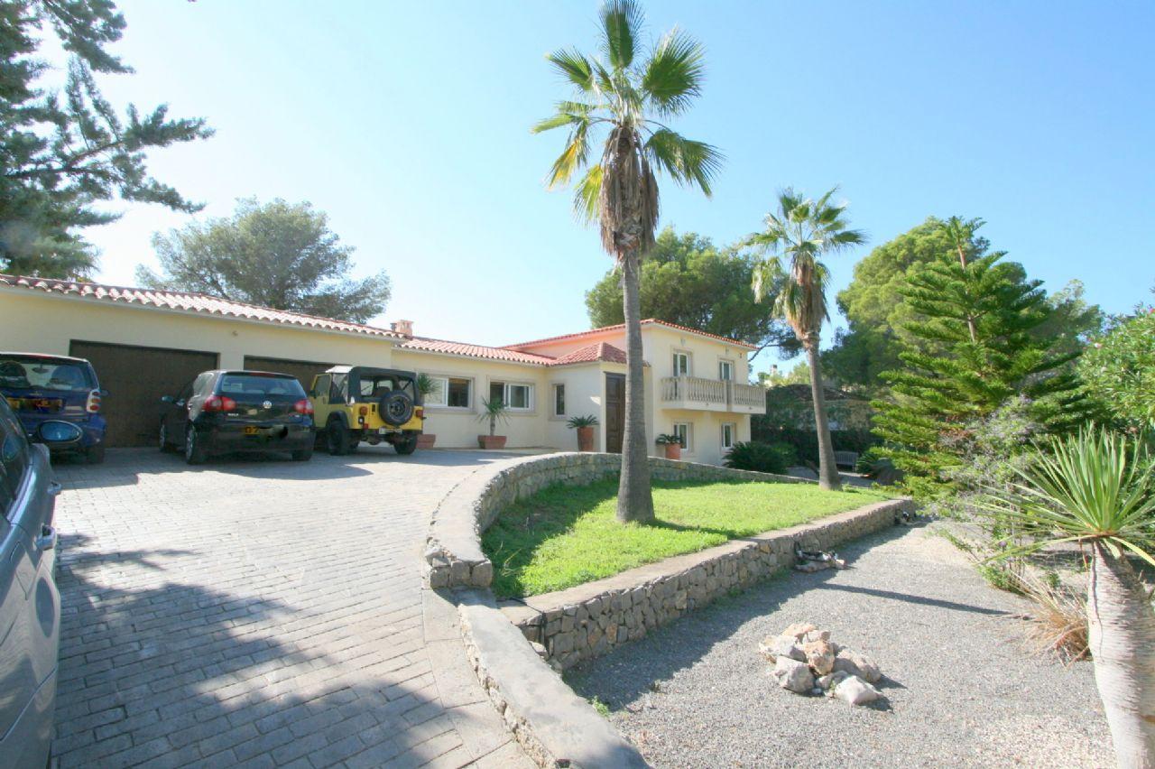 Eindrucksvolle schöne Villa in der Sierra de Altea
