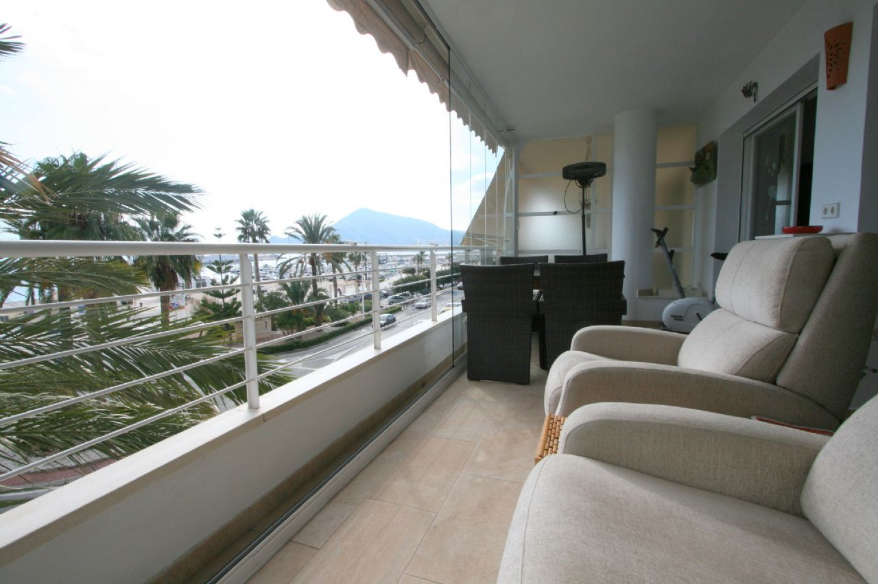 Apartment in erster Linie in Altea
