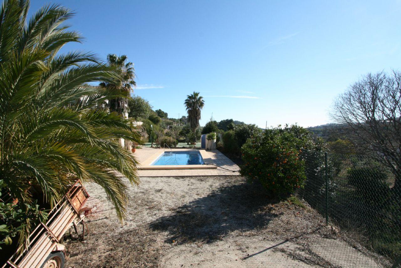 Schönes Landhaus mit Pool in Polop