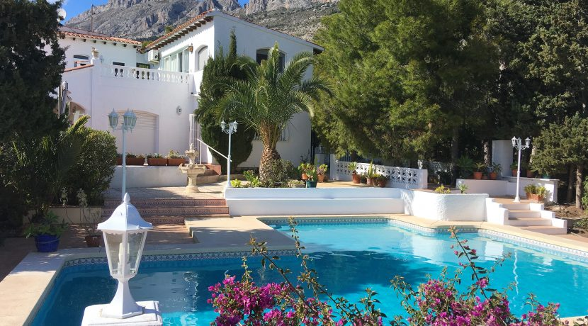 3102-1-holiday-let-villa-in-altea-la-vella-private-pool-garden-elena-hills