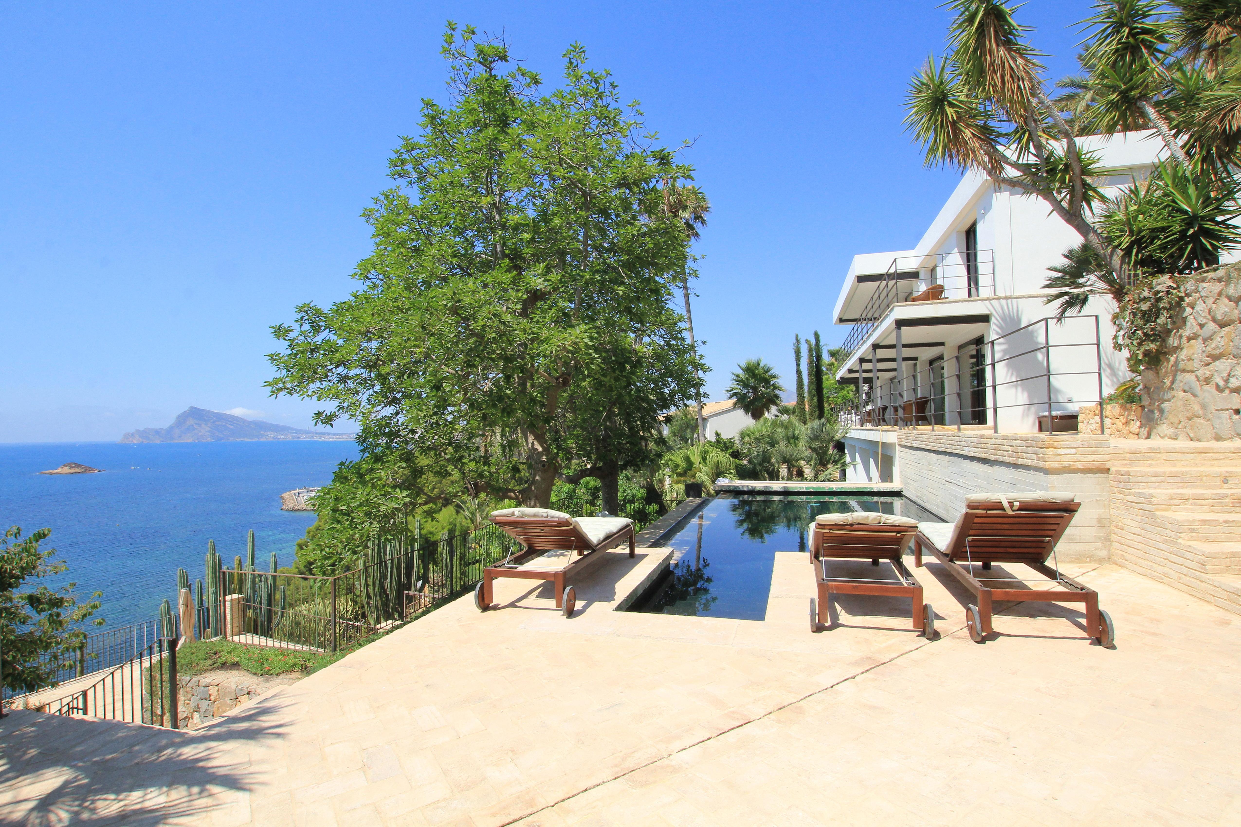 Villa de nueva construcción en primera línea en Altea/Alicante