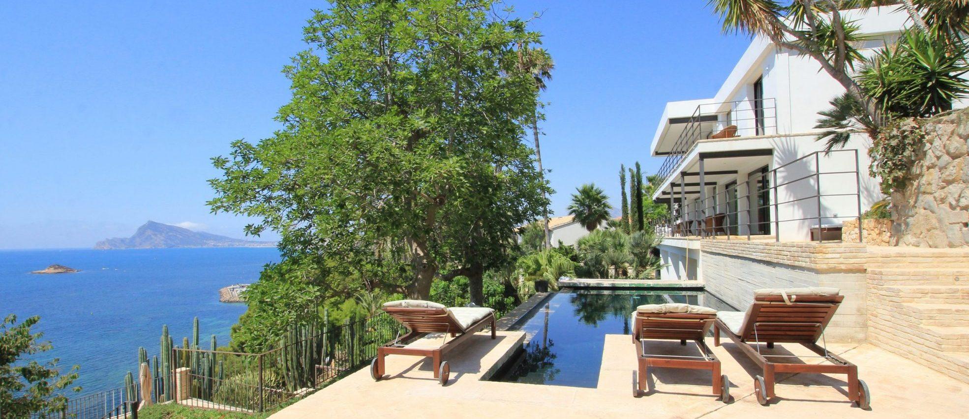 Neubauvilla in erster Linie in Altea / Alicante zu vermieten!
