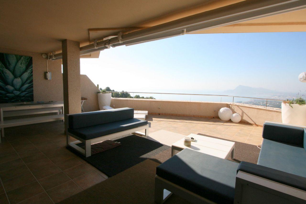 Exklusive Designer-Wohnung in luxuriöser Wohnanlage mit Meerblick