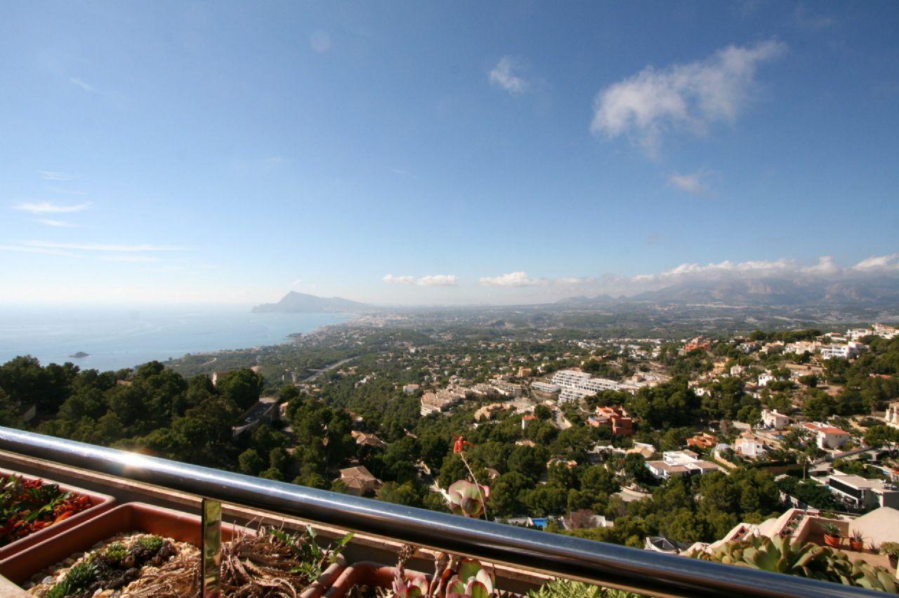 Fantastic Duplex Penthouse with breathtaking seaviews in Altea for sale