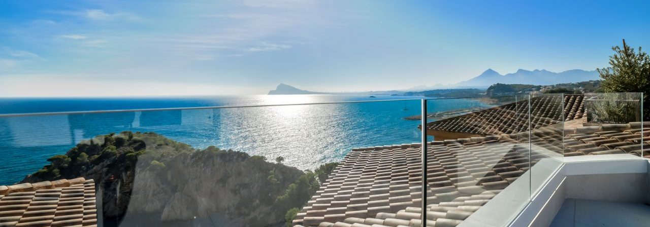 Spectacular large penthouse in Altea for sale