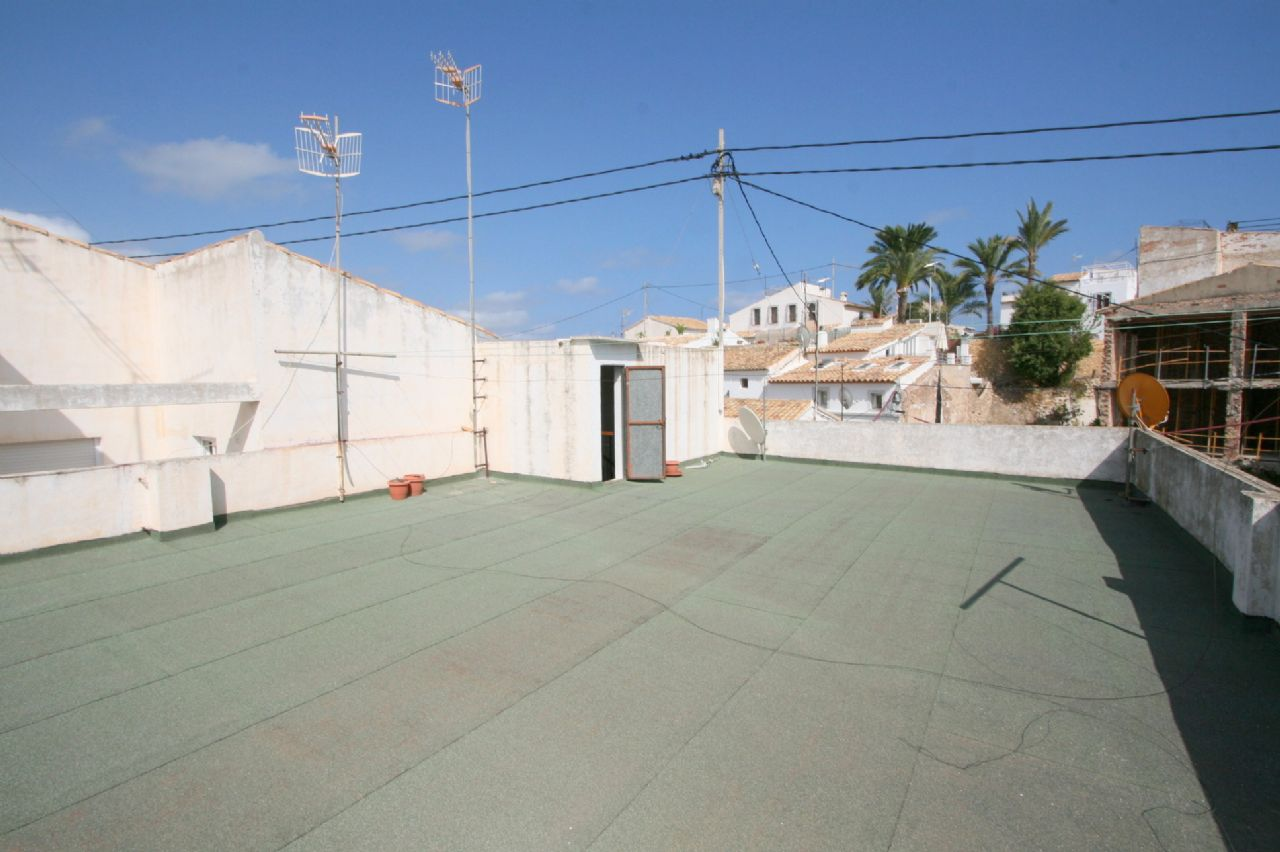 Haushälfte in zentraler Lage mit Garage in Altea zu verkaufen
