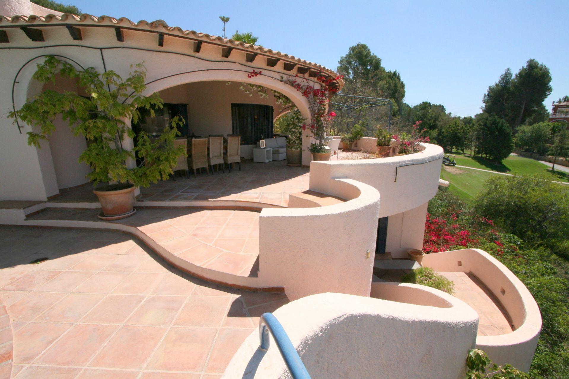 Charmante mediterrane Villa in ausgezeichneter Lage in Altea zu verkaufen