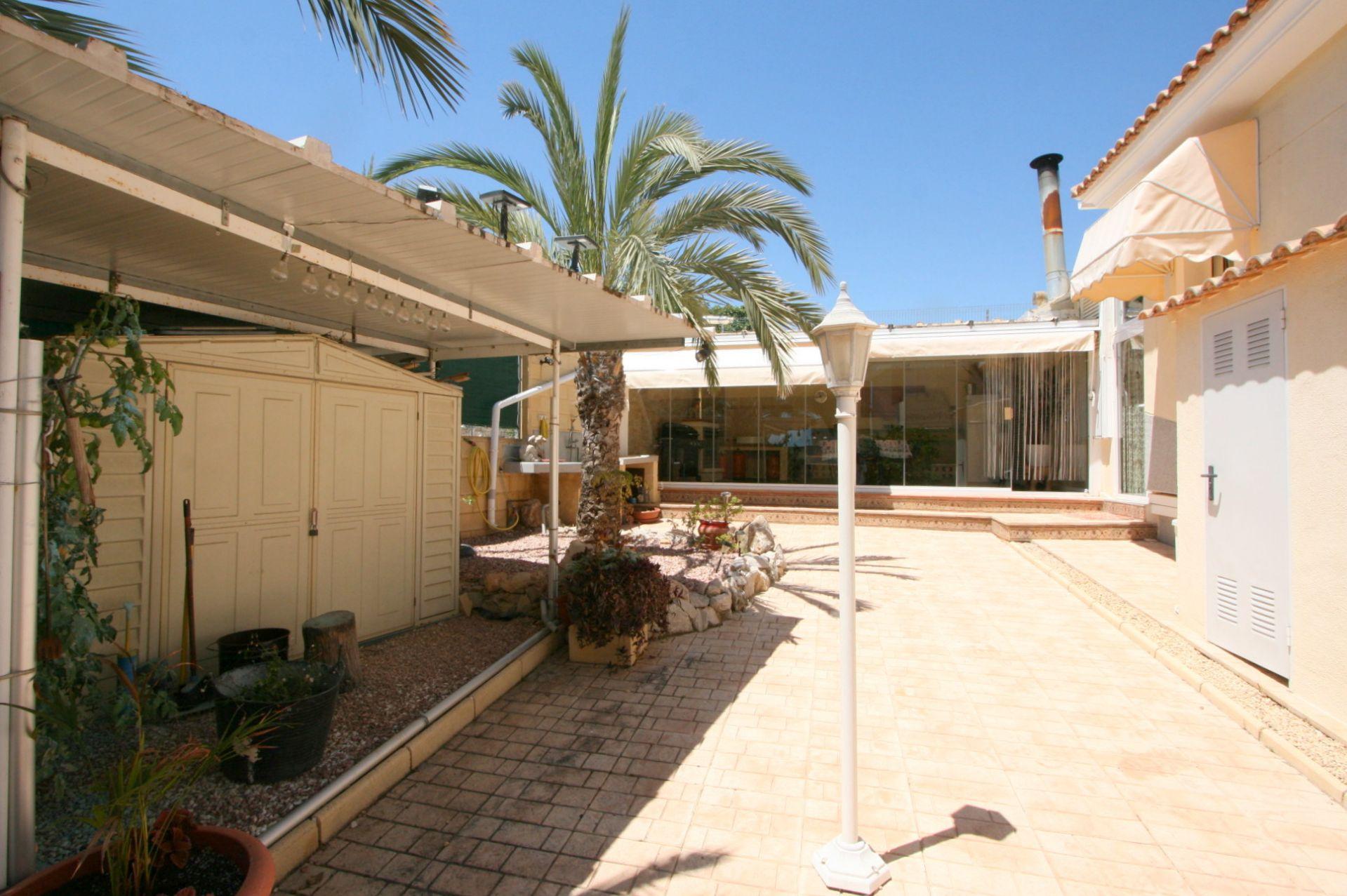 Schöne Villa in Bello Horizonte zwischen Altea und La Nucia zu verkaufen.
