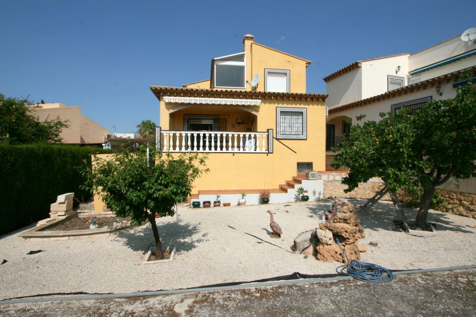 Schöne gepflegte Villa in zentraler Lage zwischen Altea und La Nucia
