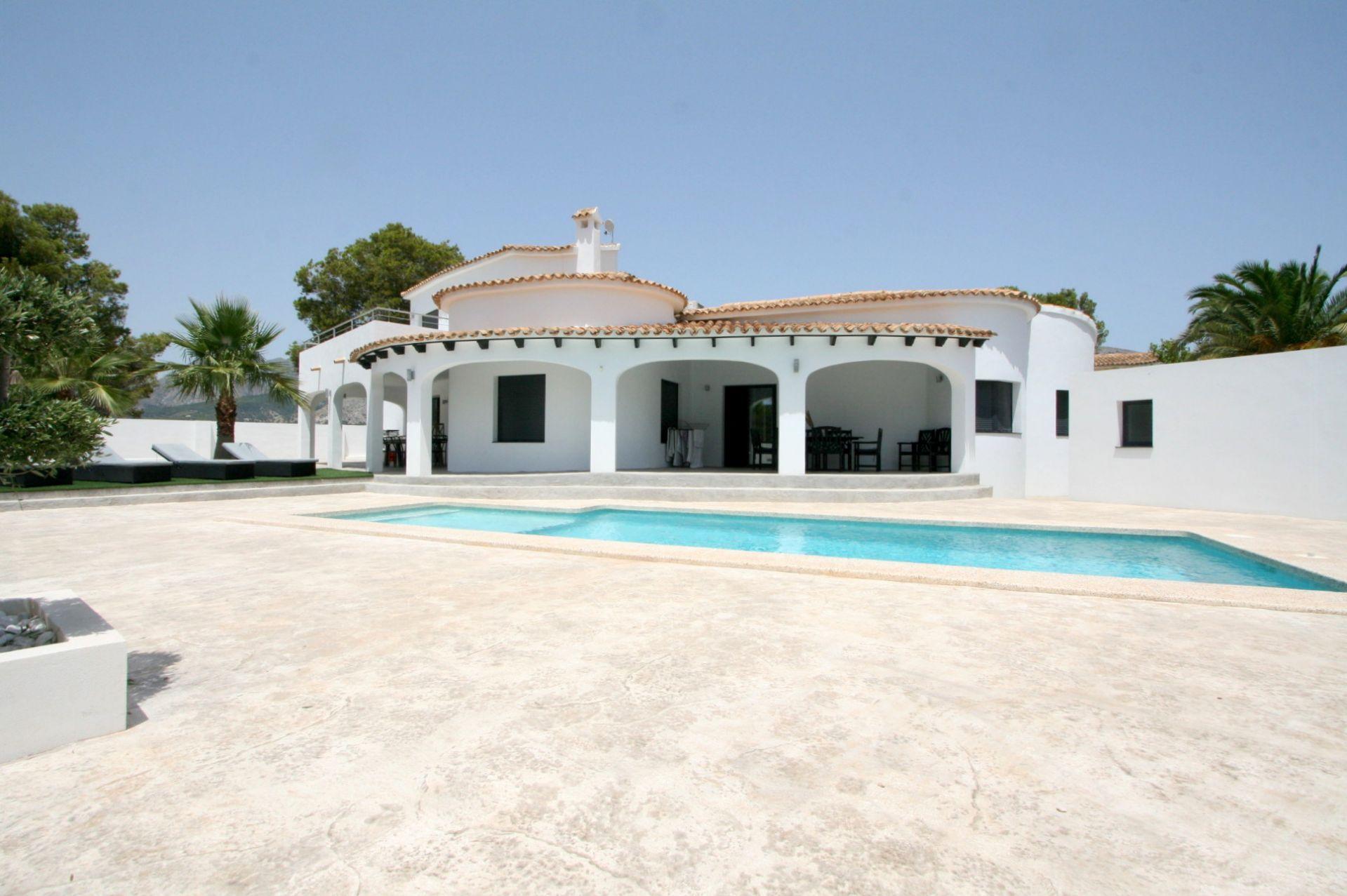 Schöne klassische mediterrane Villa mit Seele in bester Lage