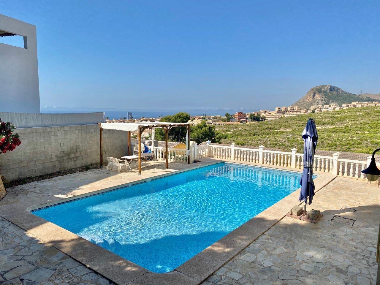 Schöne Wohnung mit Aussicht in kleiner Anlage in La Nucia
