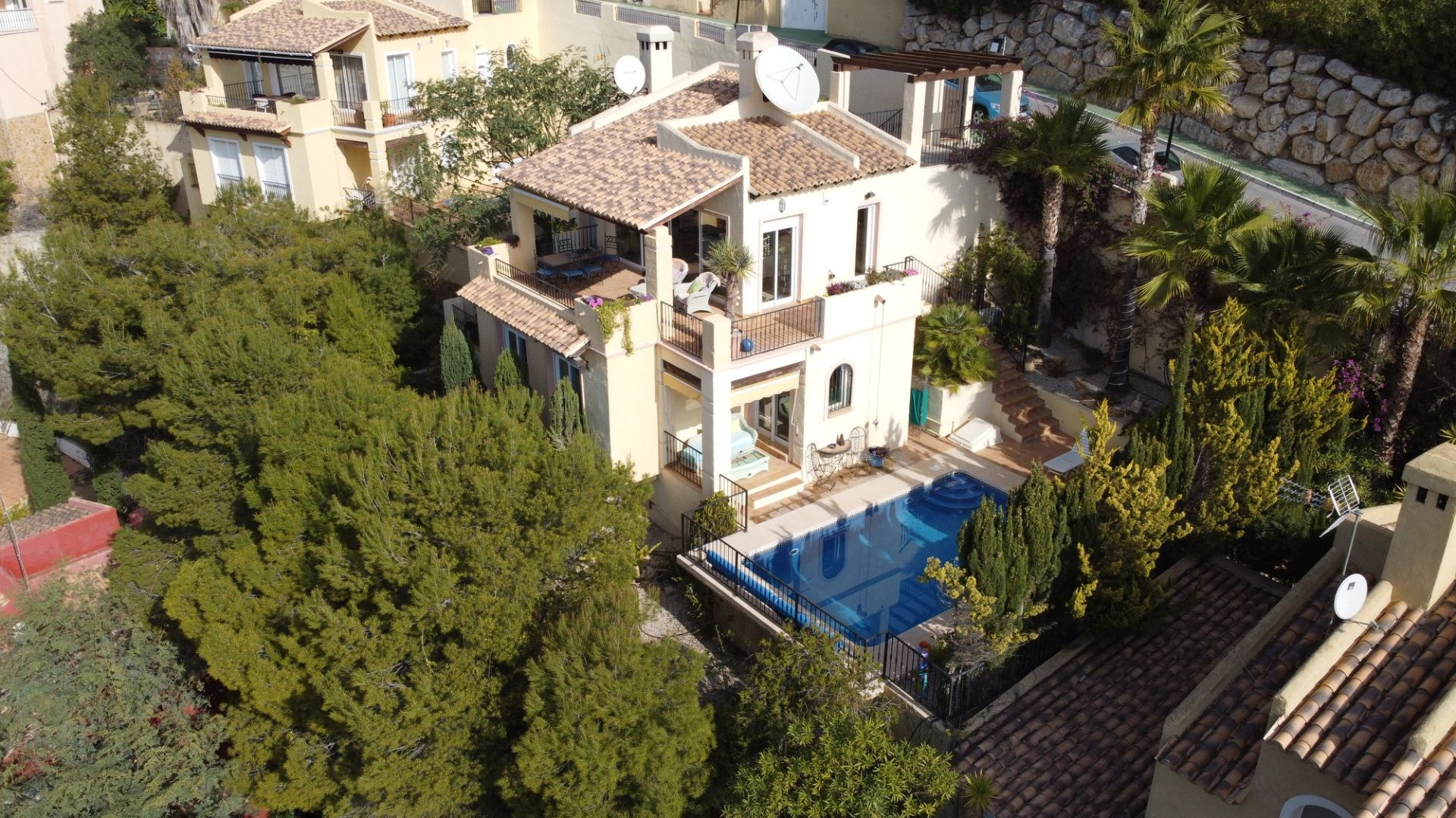 Villa with seaview and pool in Altea Hills
