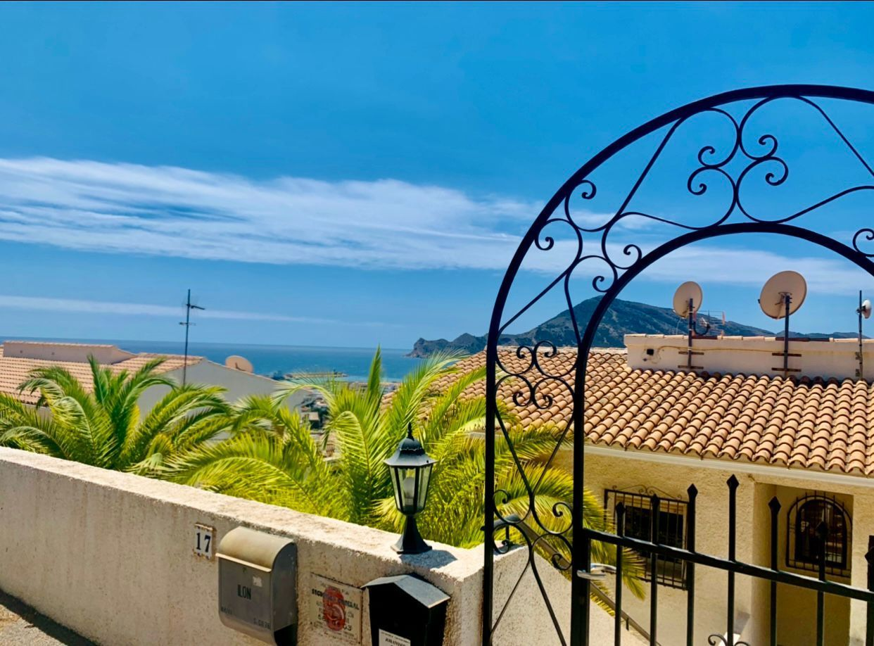 LIFE WITH A VIEW – Nice apartment with seaview in Altea – San Chuchim for sale